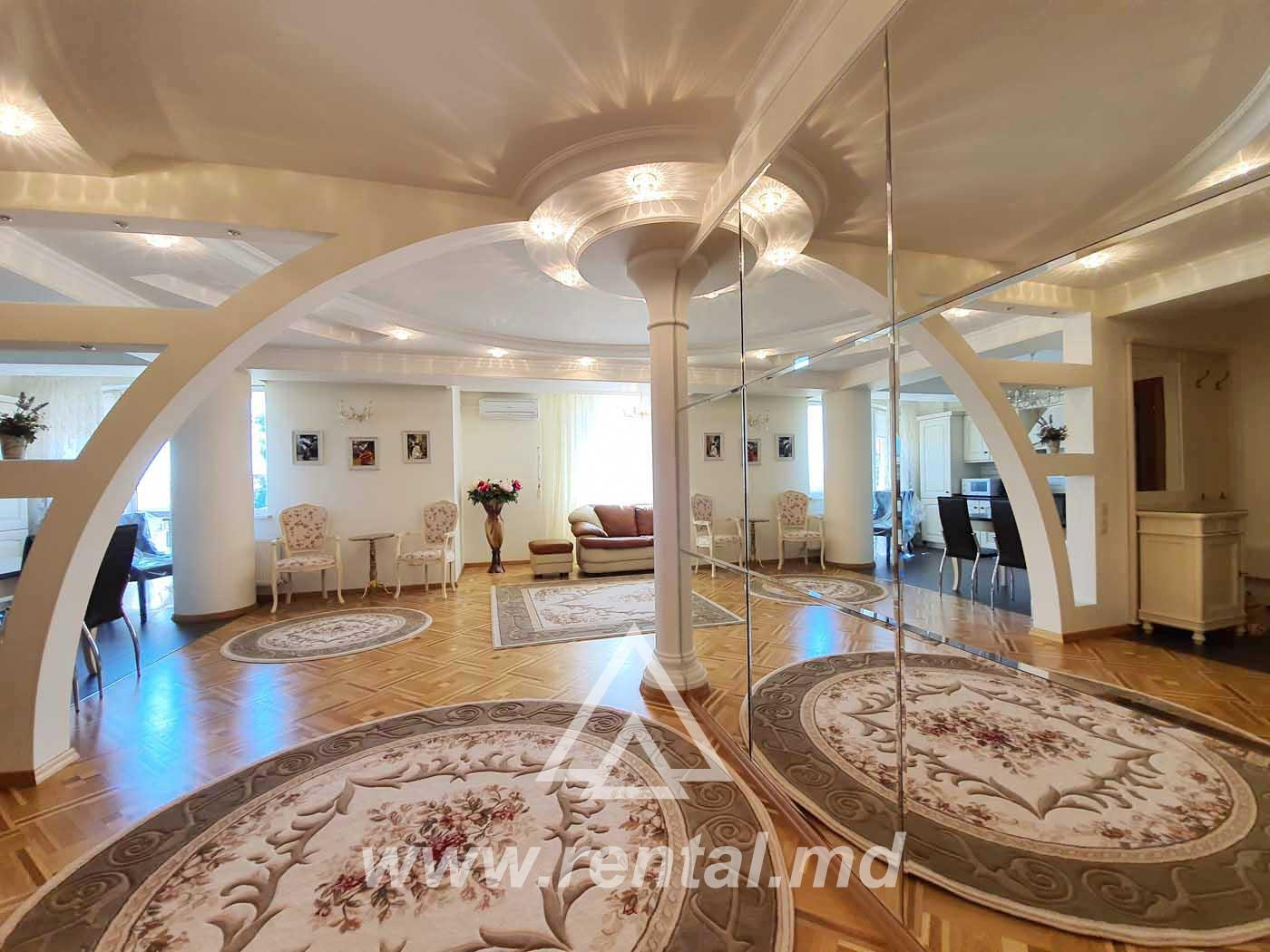 3-rooms Chisinau apartment in Royal Place, city Center