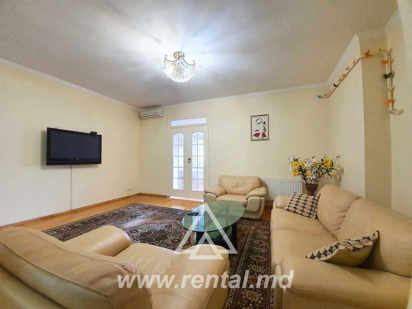 3 rooms apartment for rent in the City Center