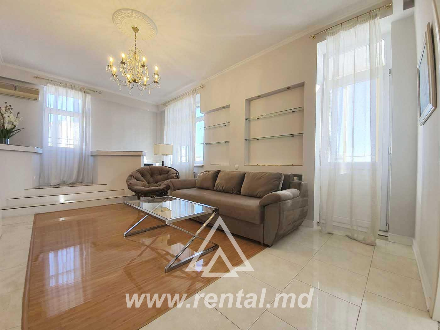 Luxury Apartment with terrace in Lara City