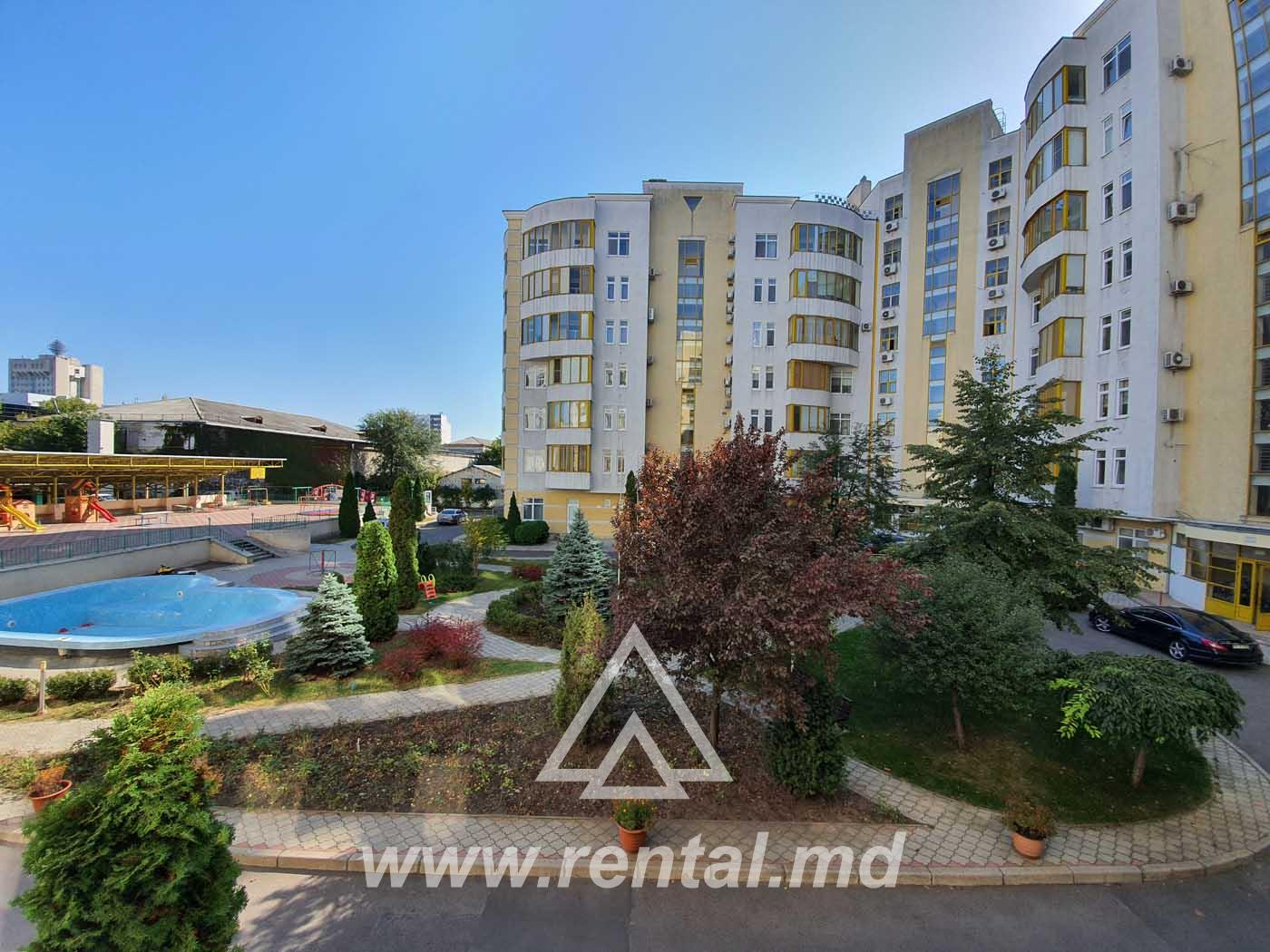 Apartment with terrace for rent in Lara City