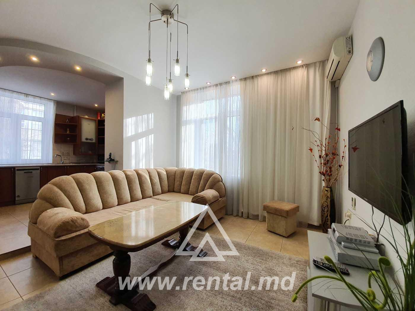 2 rooms apartment for rent on Stefan cel Mare boulevard
