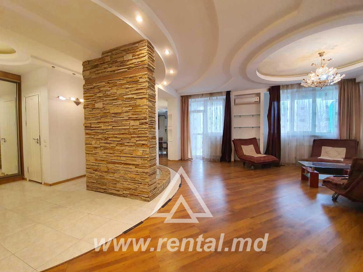 3-rooms apartment in the city Center