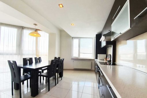 3 rooms apartment for rent in the Center of Chisinau