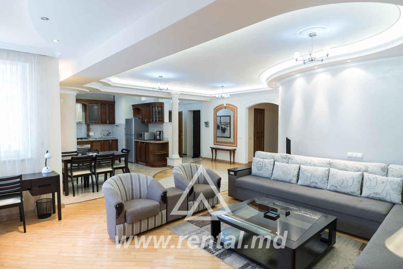 VIP apartment for rent in Royal Place