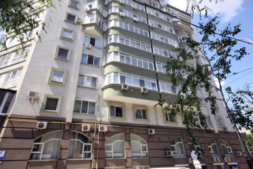 3 rooms apartment for rent on Anestiade Street