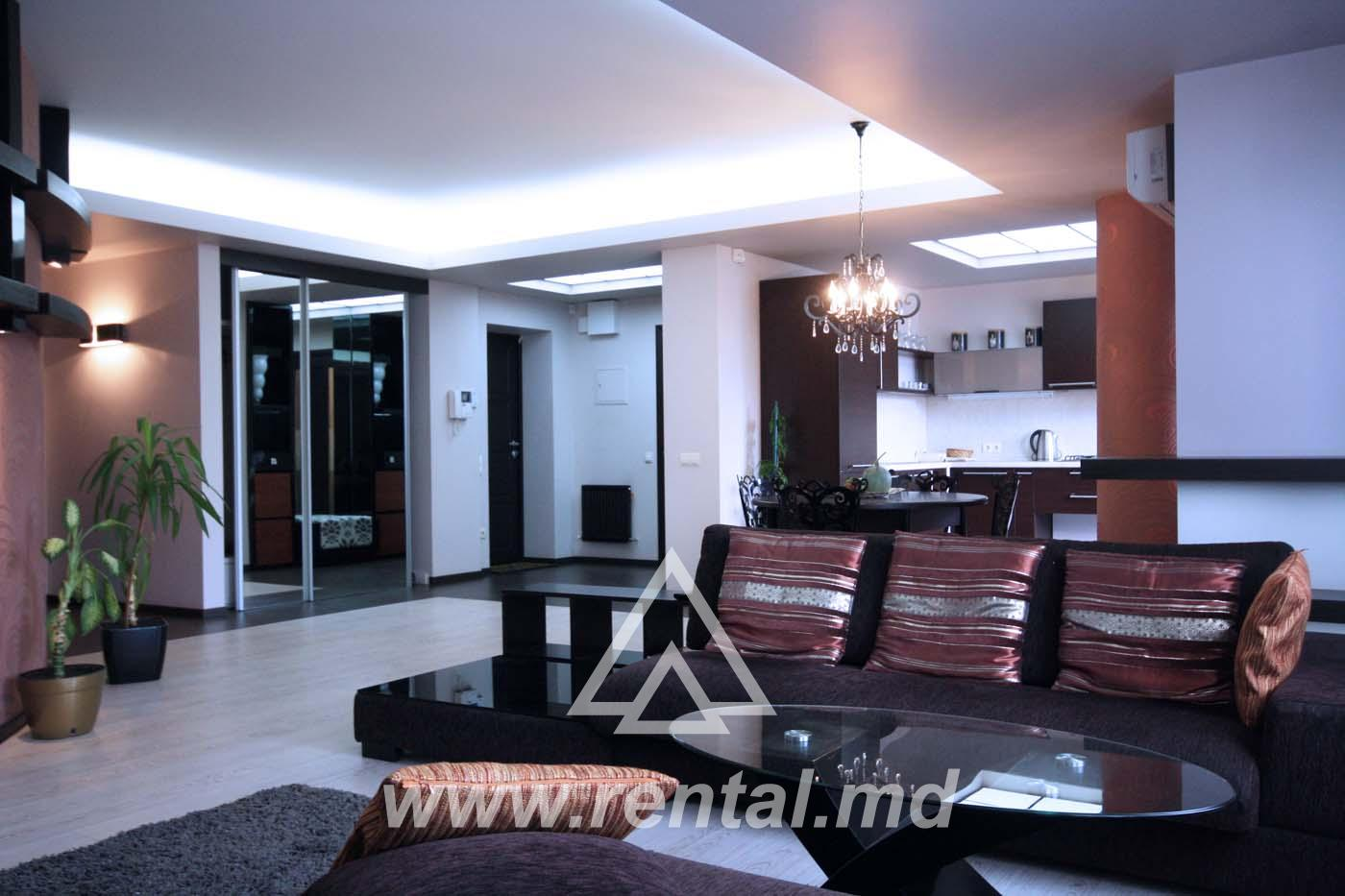 Luxury apartment in Royal Place
