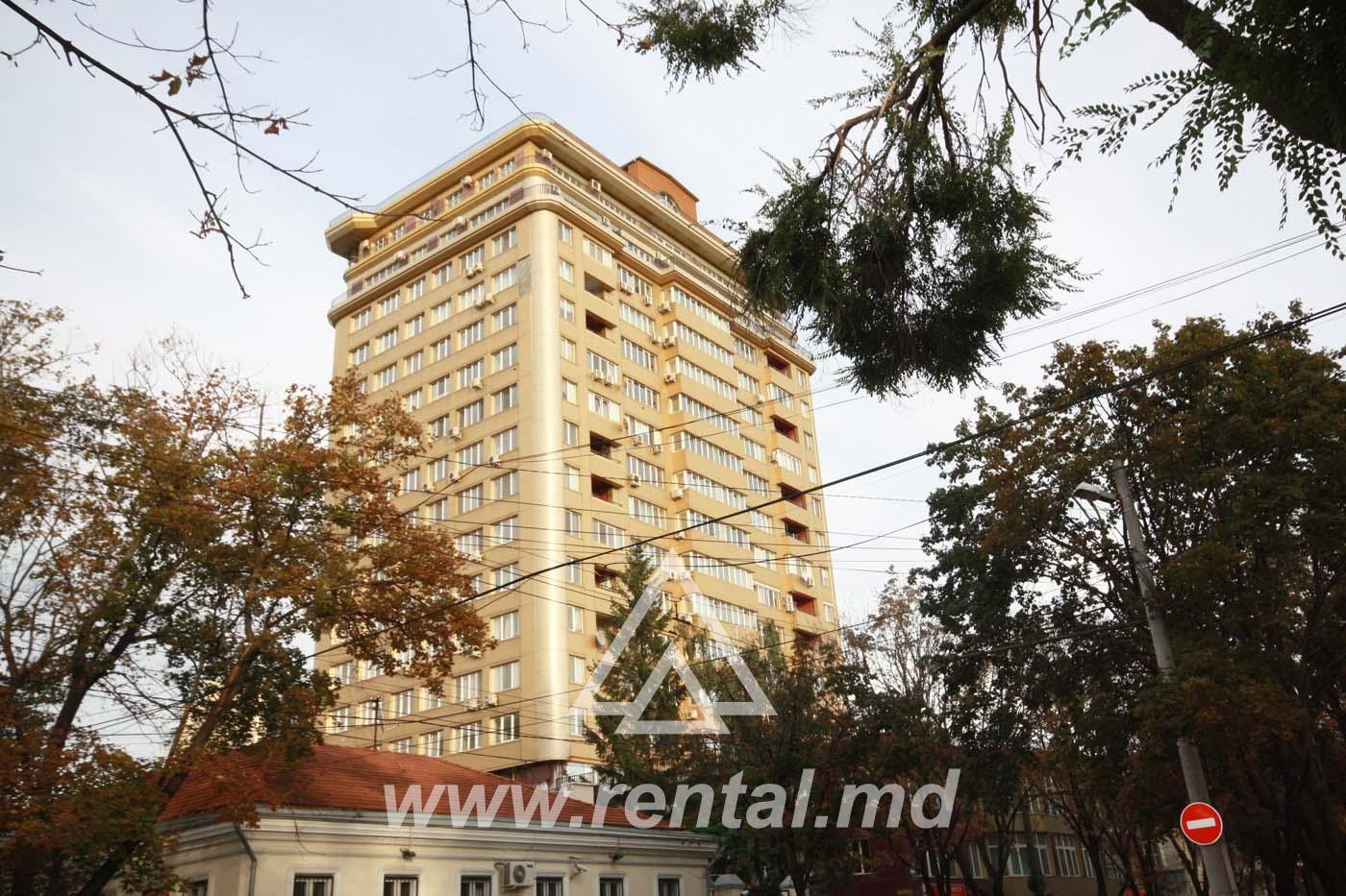 Rental apartment 4 rooms in the city center