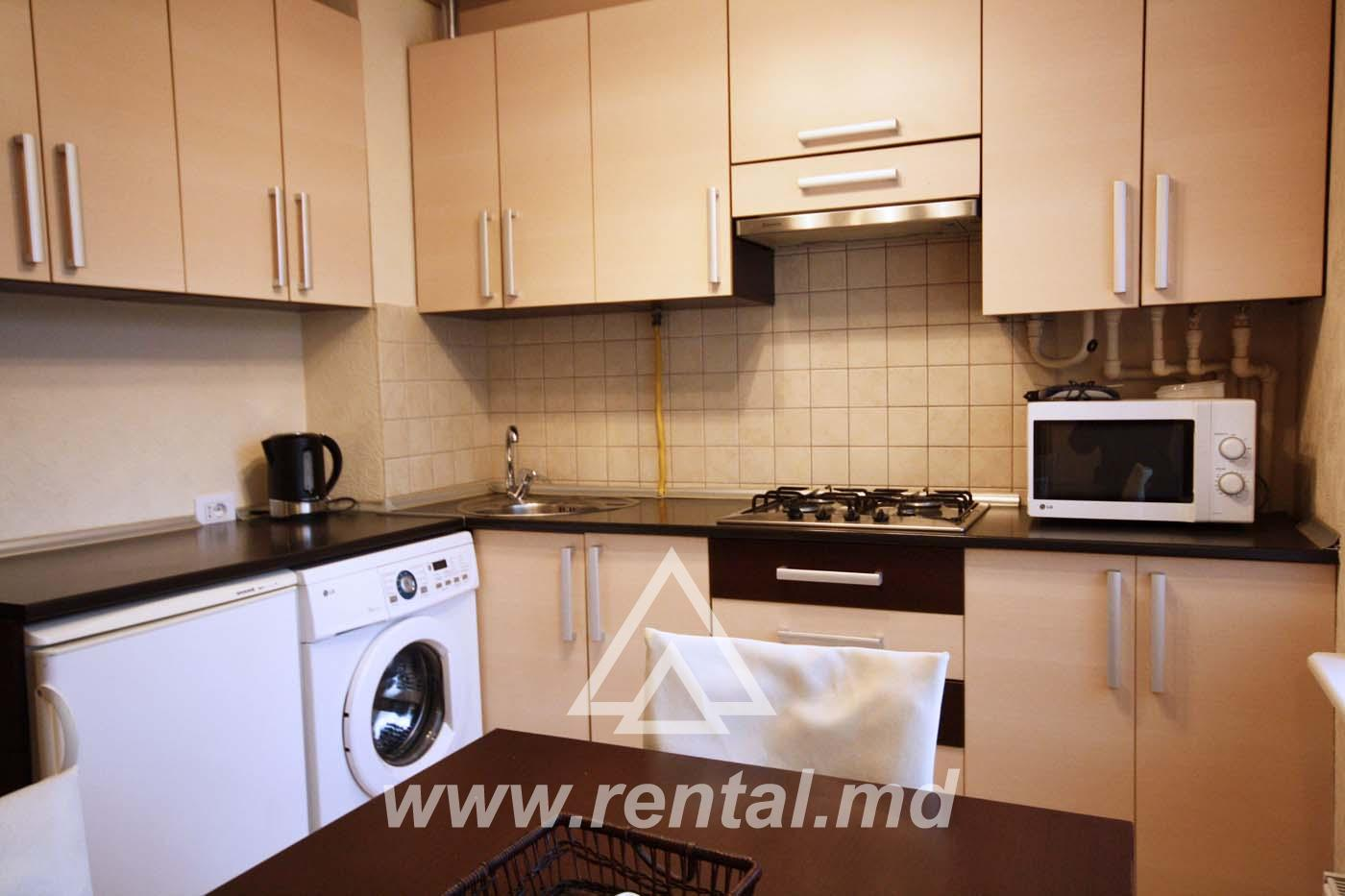 2 rooms apartment for rent in the Center