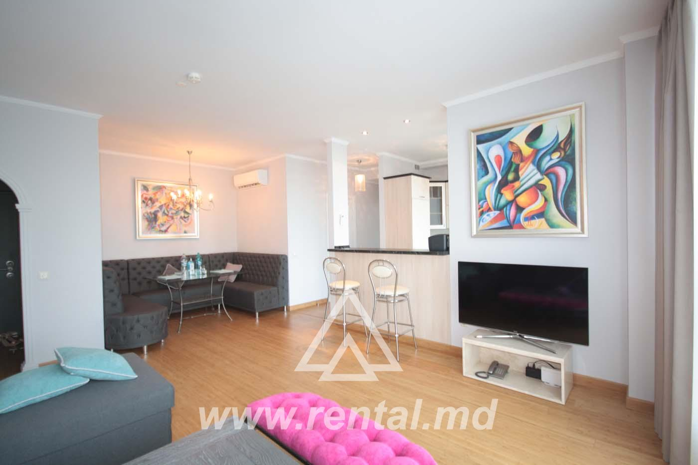 For rent 2-rooms apartment in Chisinau in Crown Plaza Park