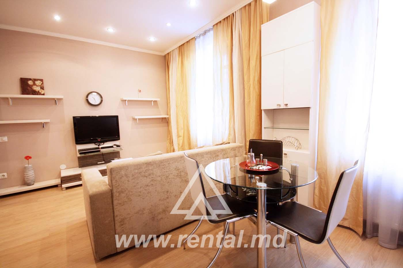3 rooms apartment for rent on bd. Stefan cel Mare