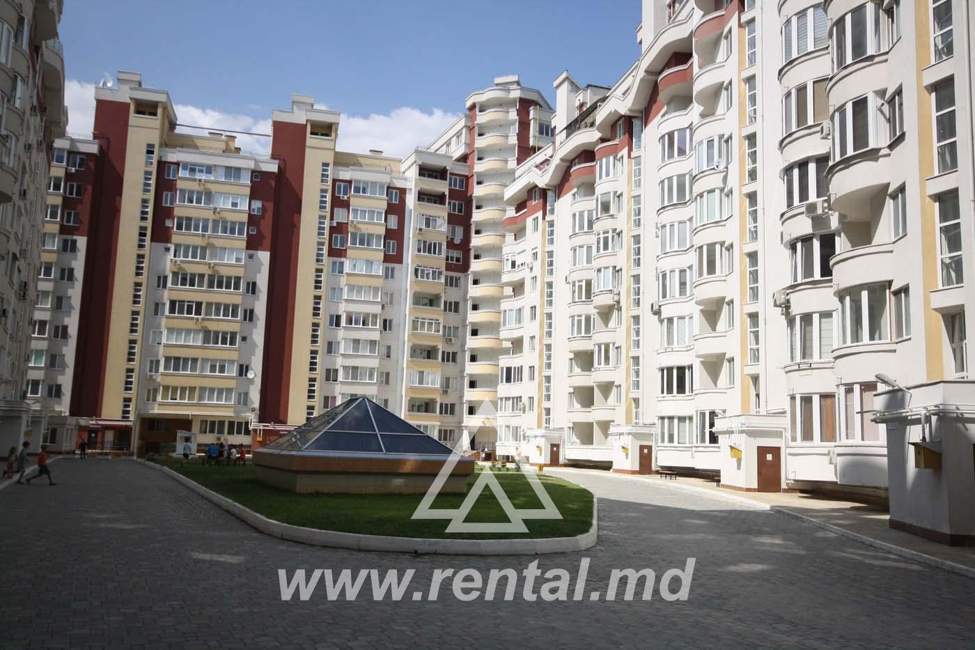 2 rooms apartment for rent near MallDova Shopping Center