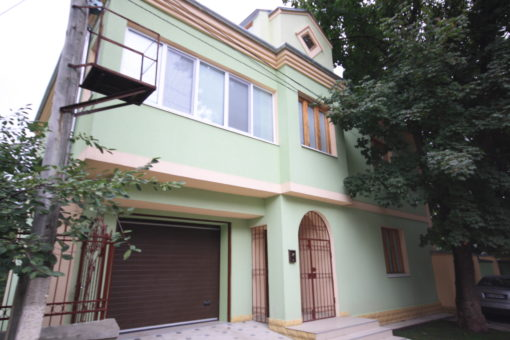 Rent house or office in Chisinau