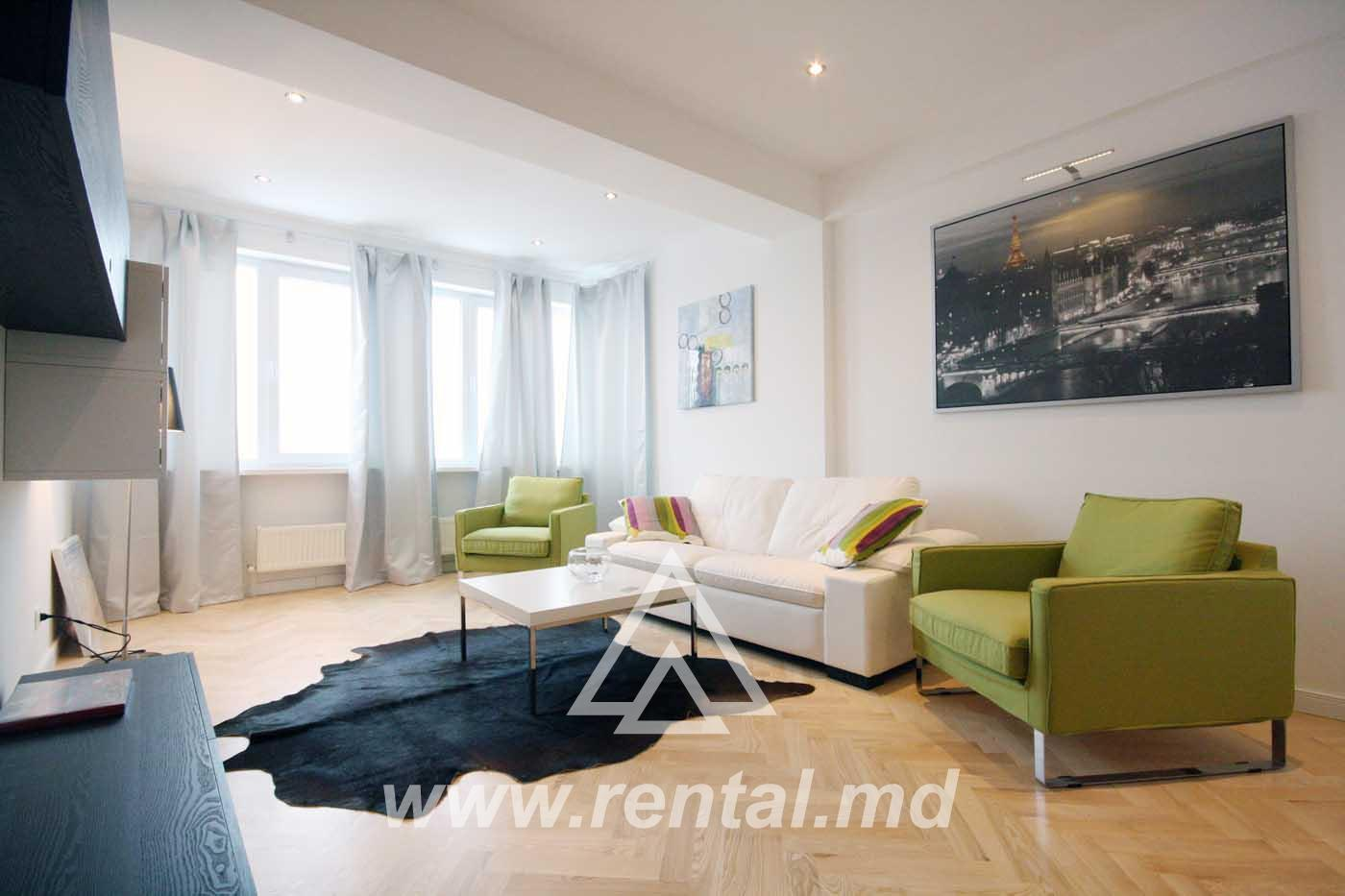 Bright apartment for rent in the city center