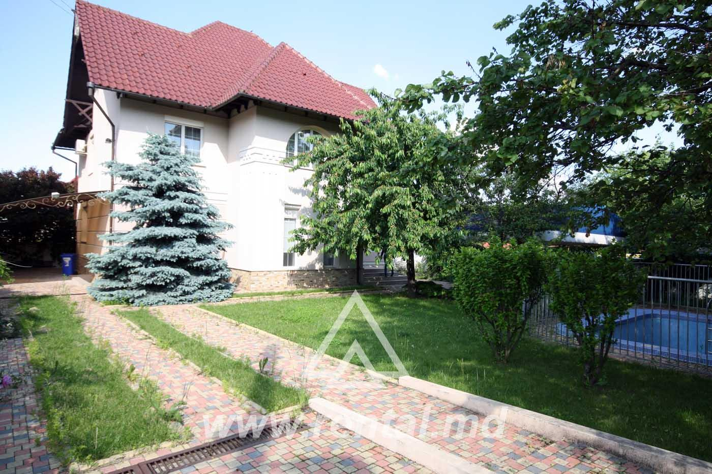 Chisinau house for rent with swimming pool in Telecenter