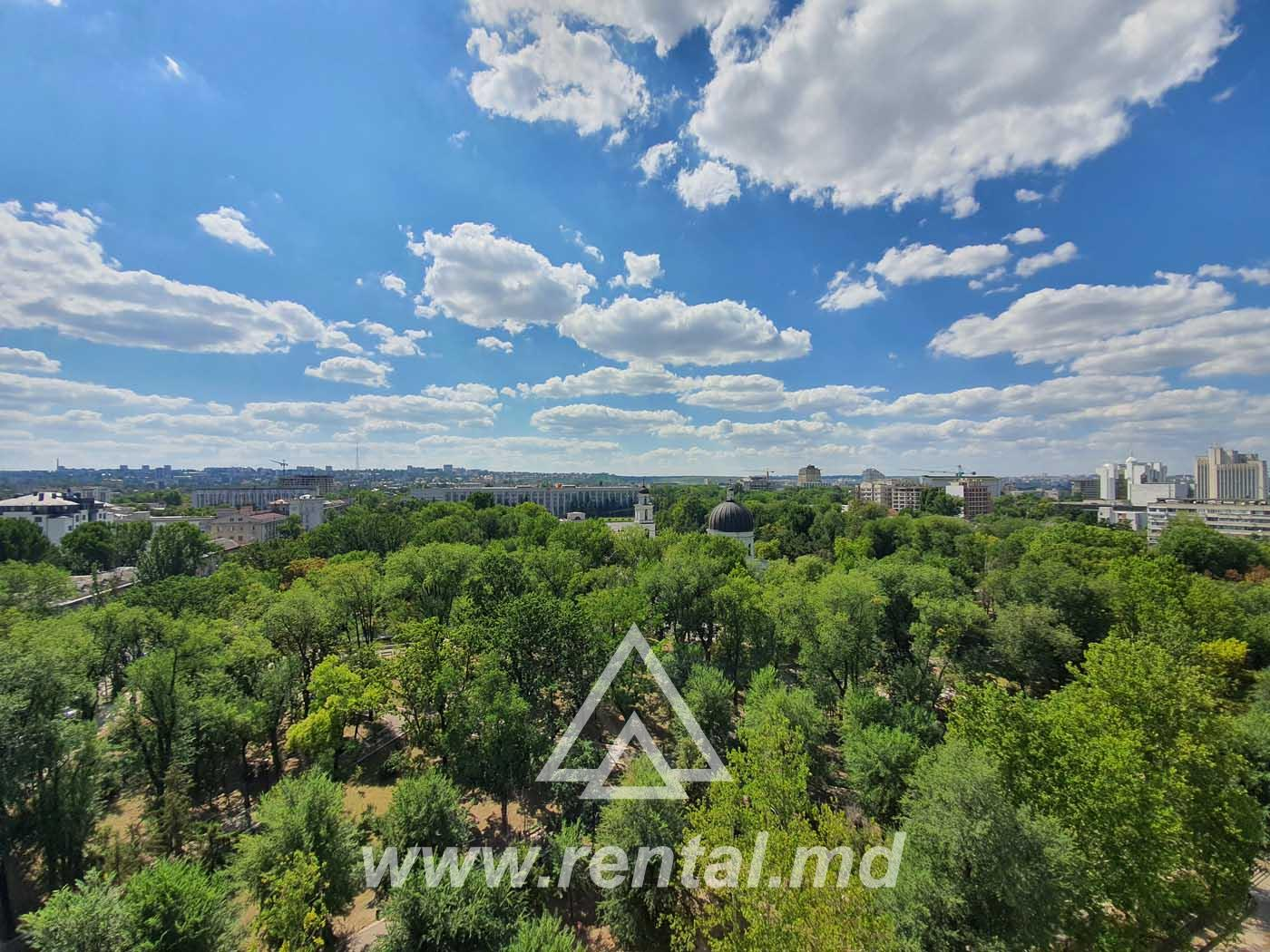Chirie apartament in Crown Plaza Park