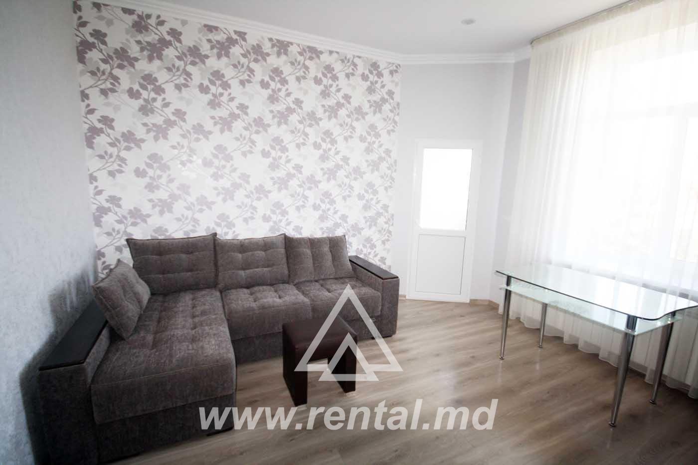 2 rooms apartment for rent in the city center