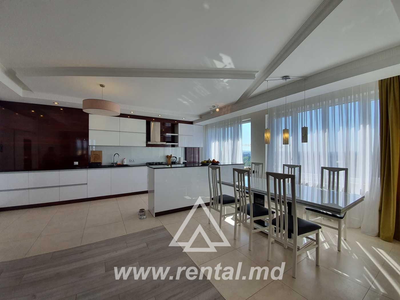 Modern 4 rooms apartment in the center of Chisinau