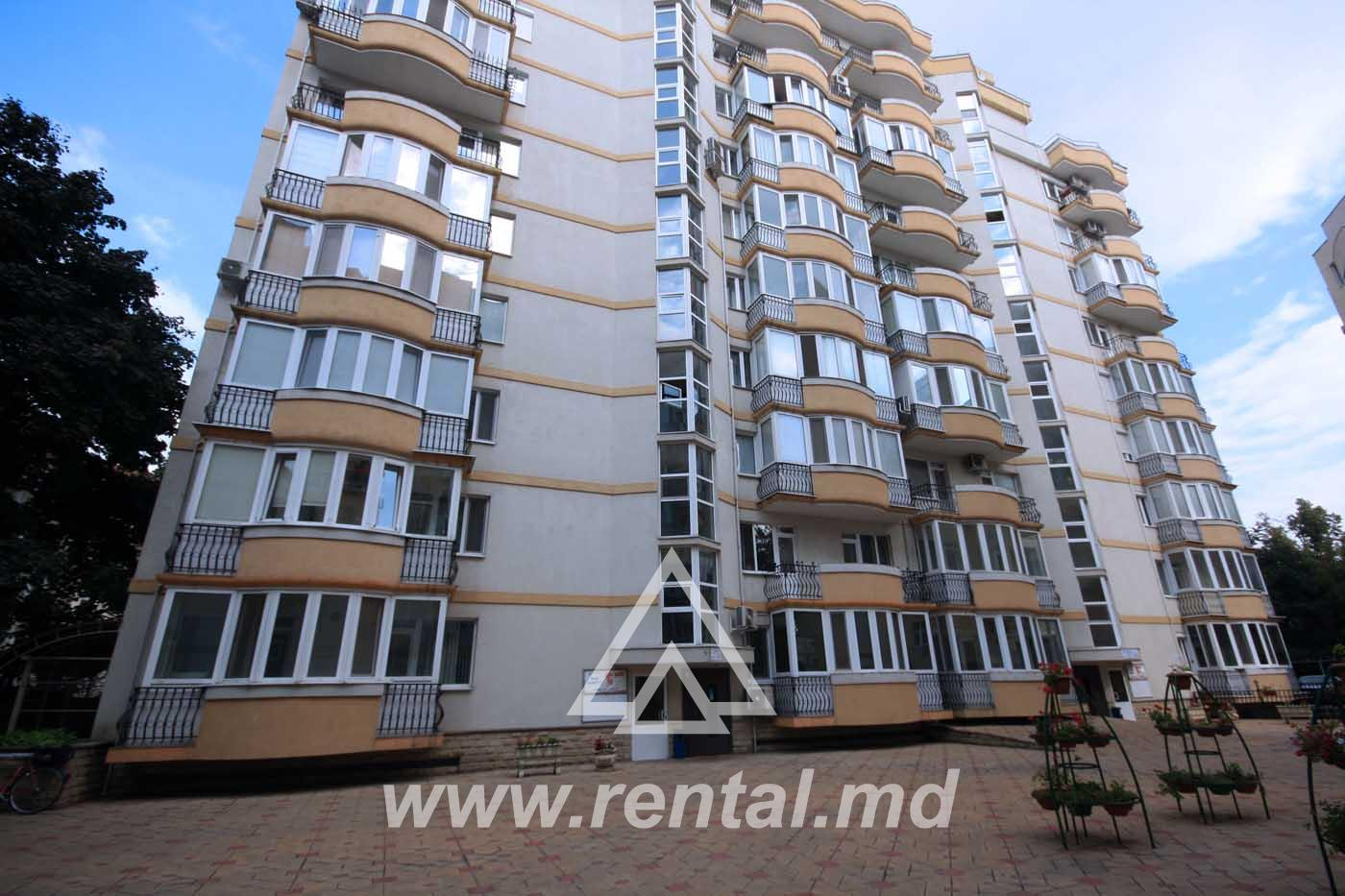 Spacious Apartment fore rent  on M. Eminescu Street