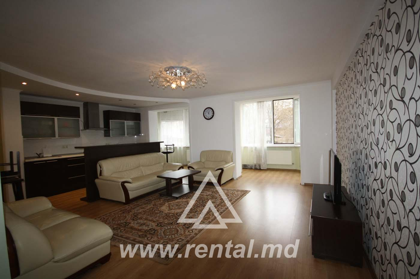 4 rooms apartment for rent near the city center