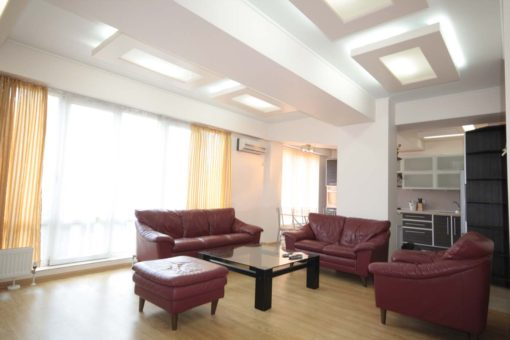 Spacious flat for rent  on Ismail Street