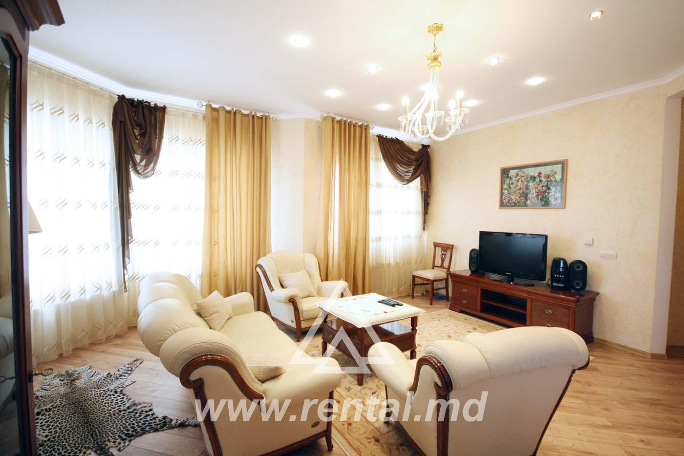 Apartament in chirie in Crown Plaza