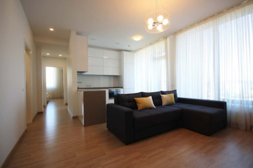 3 rooms apartment for rent in Crown Plaza Park