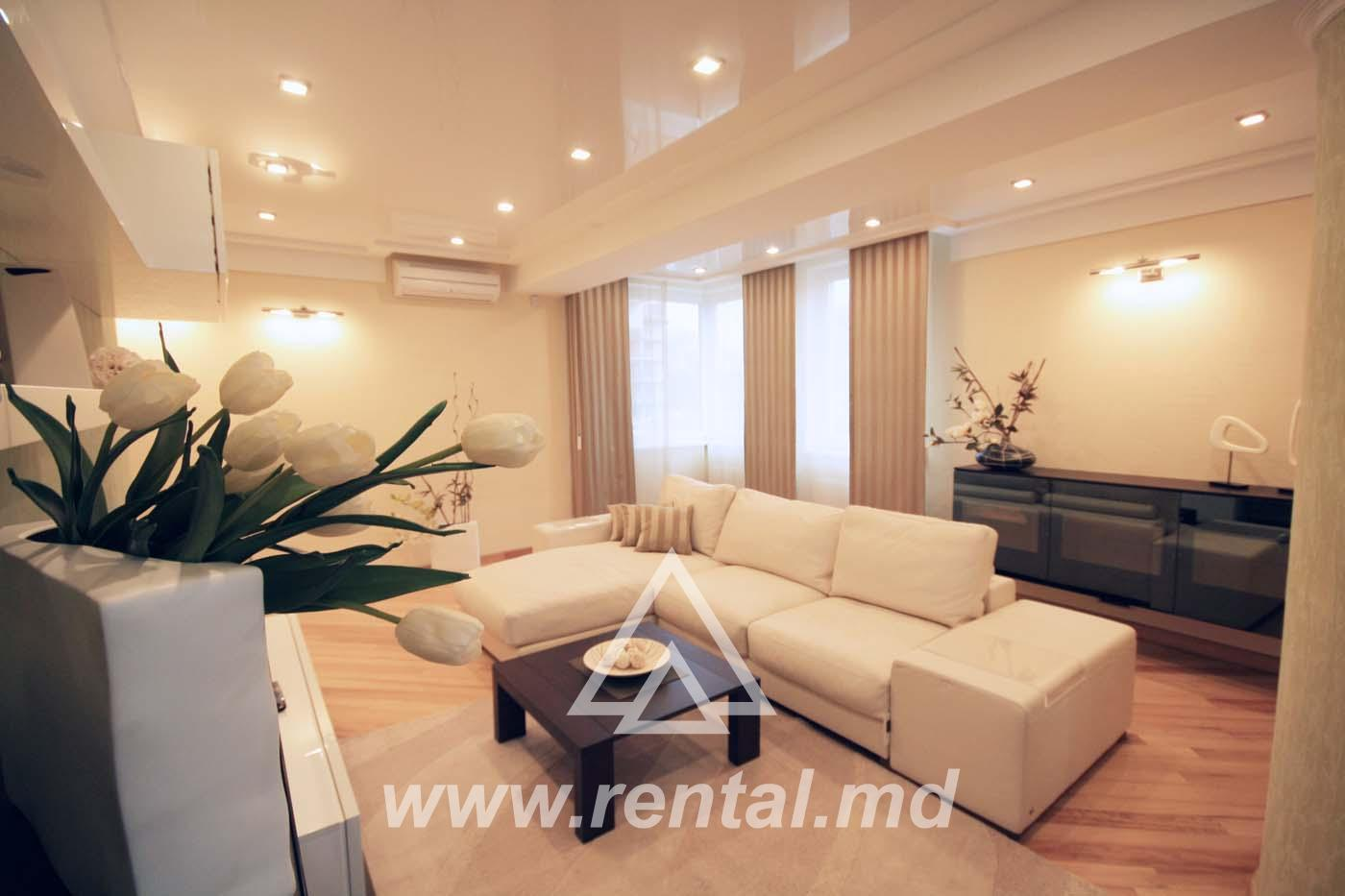 Spacious apartment for rent in Royal Place