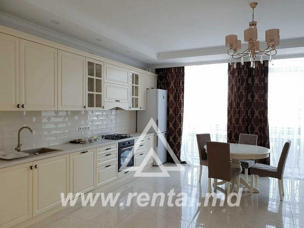 3 rooms apartment for rent in the Center