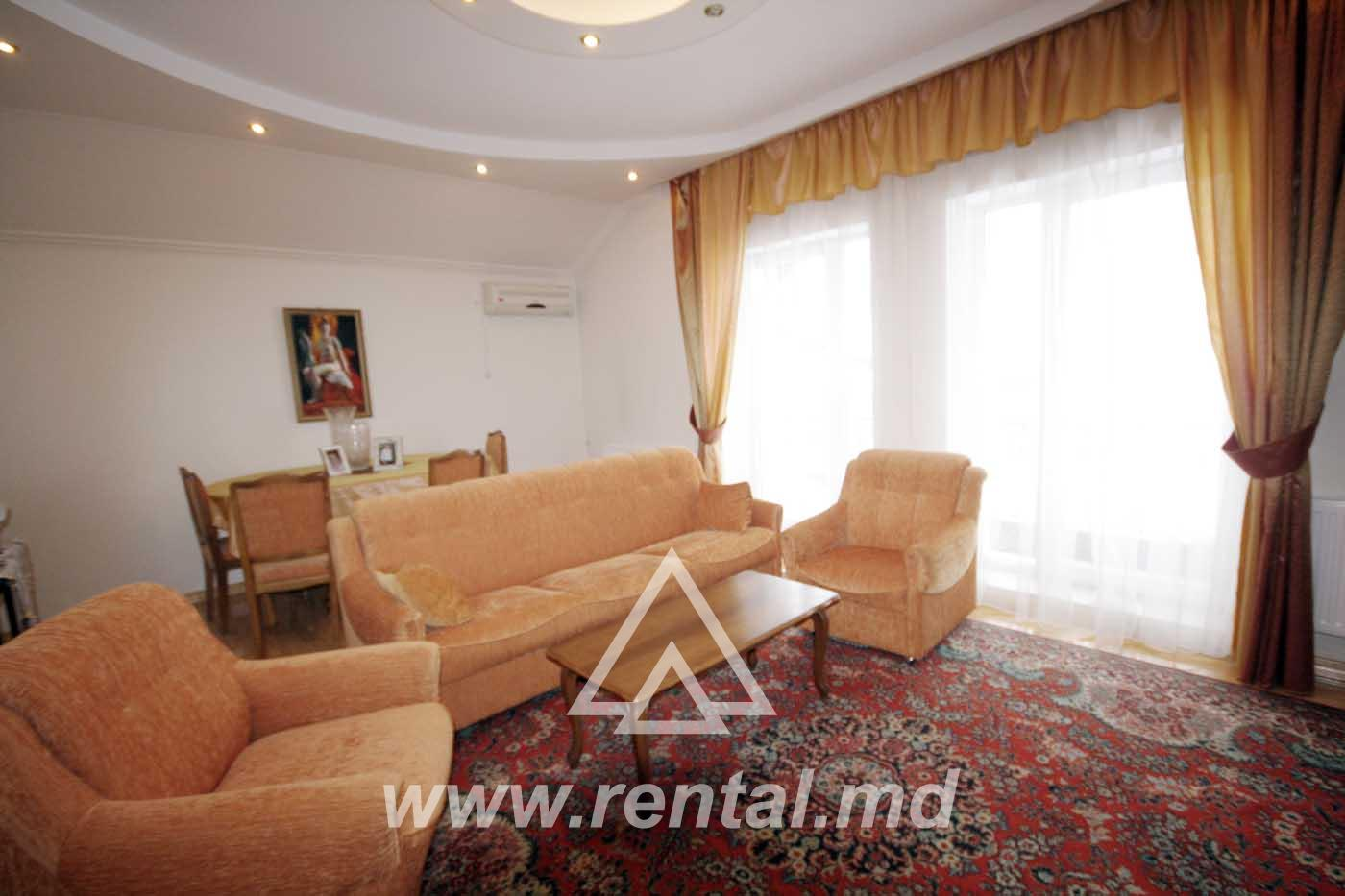 Central apartment for rent in duplex