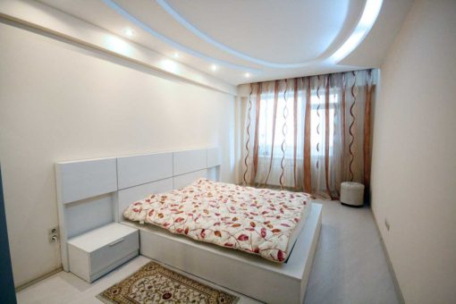 3 rooms apartment with terrace in the City Center