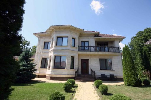 VIP house for rent or sale in the center of Telecentru Chisinau