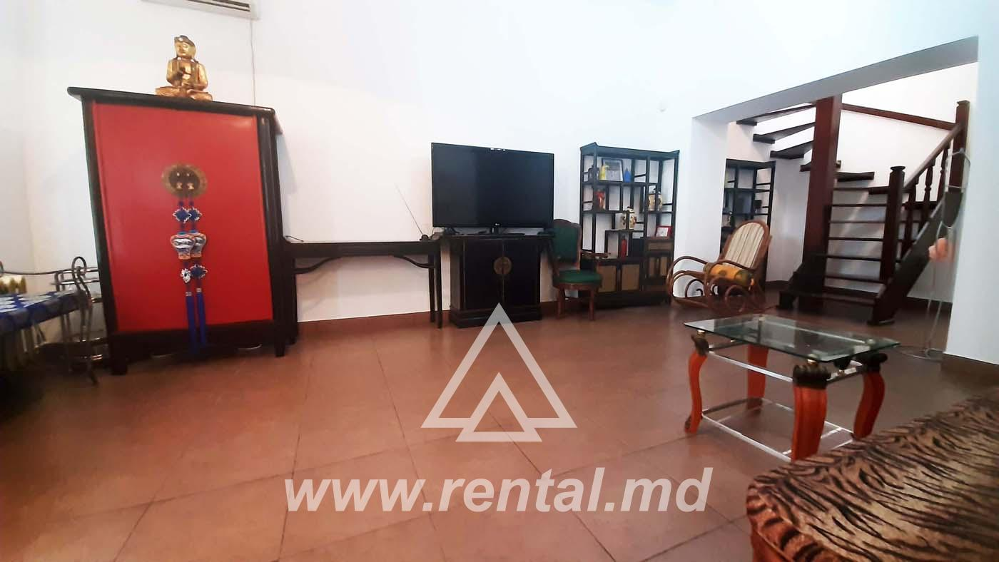 Duplex for rent in the historical part of the Chisinau
