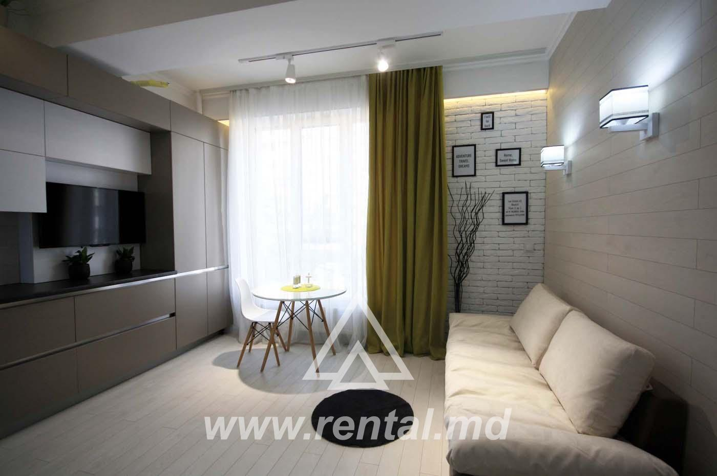 Modern 2 rooms apartment in the city center for short term rent