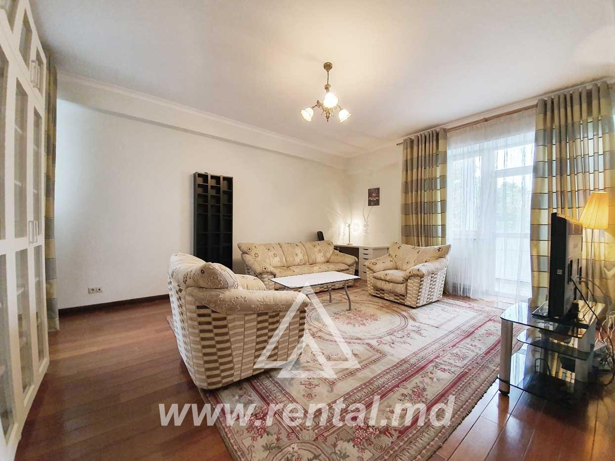 2 rooms apartment for rent in Chisinau center