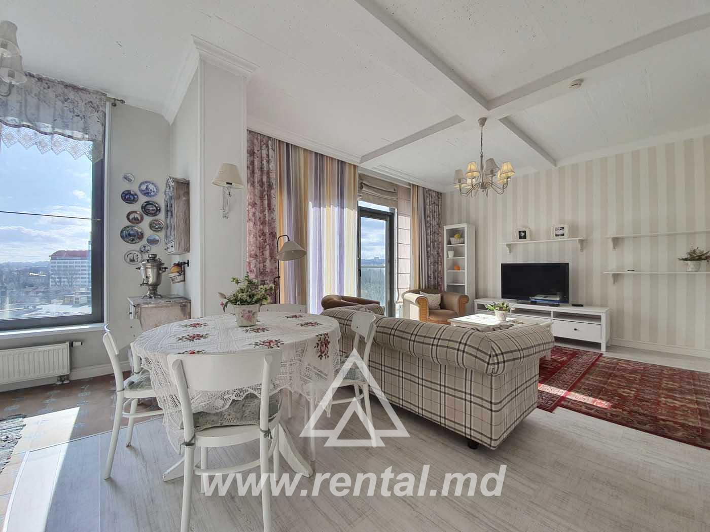 2 rooms apartment for rent in Crown Plaza Park