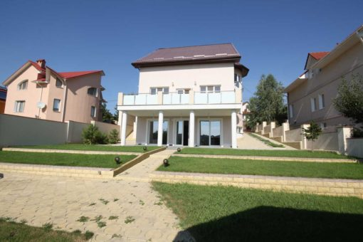 Spacious house for rent in Telecentru