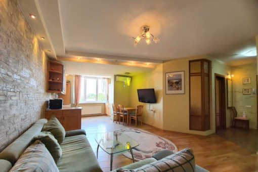 2 rooms apartment for long term rent on Armeneasca Street