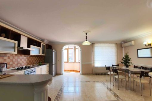 3 rooms apartment for rent in Buiucani area