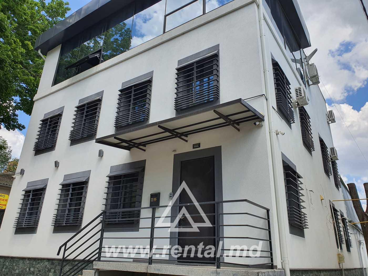 Stand-alone office for rent in Chisinau center