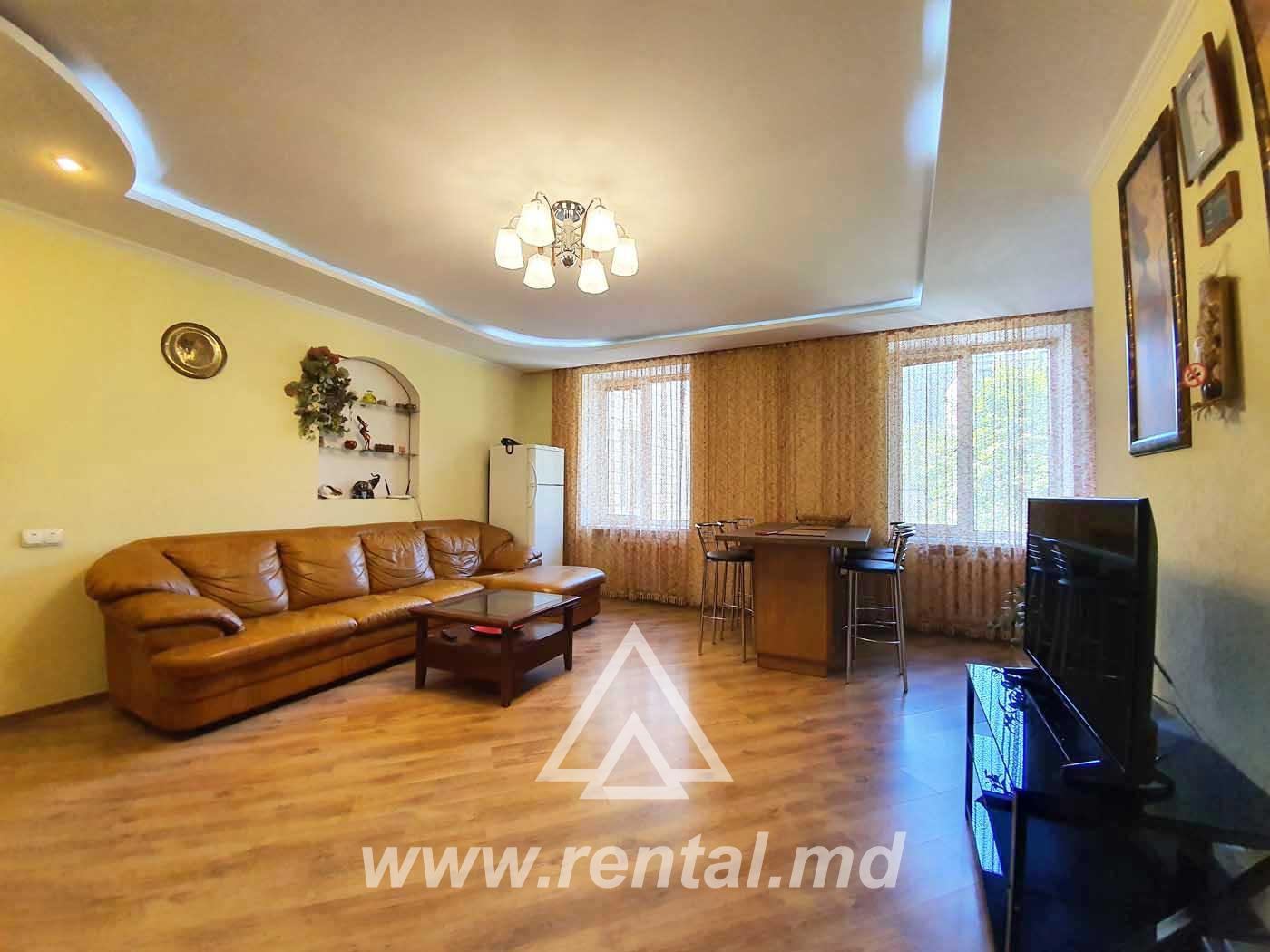 3 rooms apartment in the city center Dosoftei Street