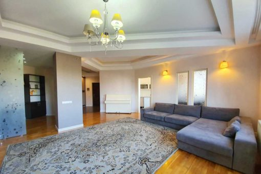 3-rooms apartment for rent in Chisinau center