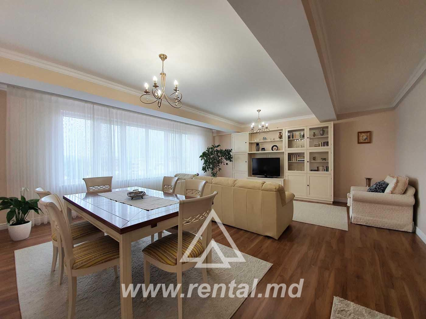 Spacious 4 rooms apartment for rent in Chisinau downtown