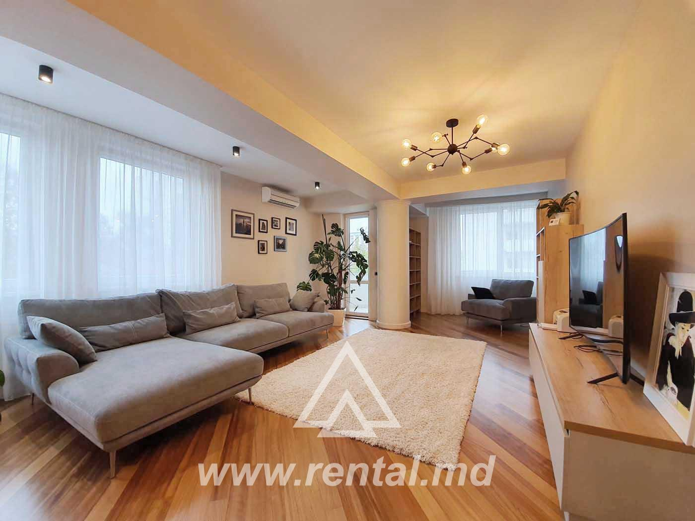 Spacious apartment in the center for sale or rent