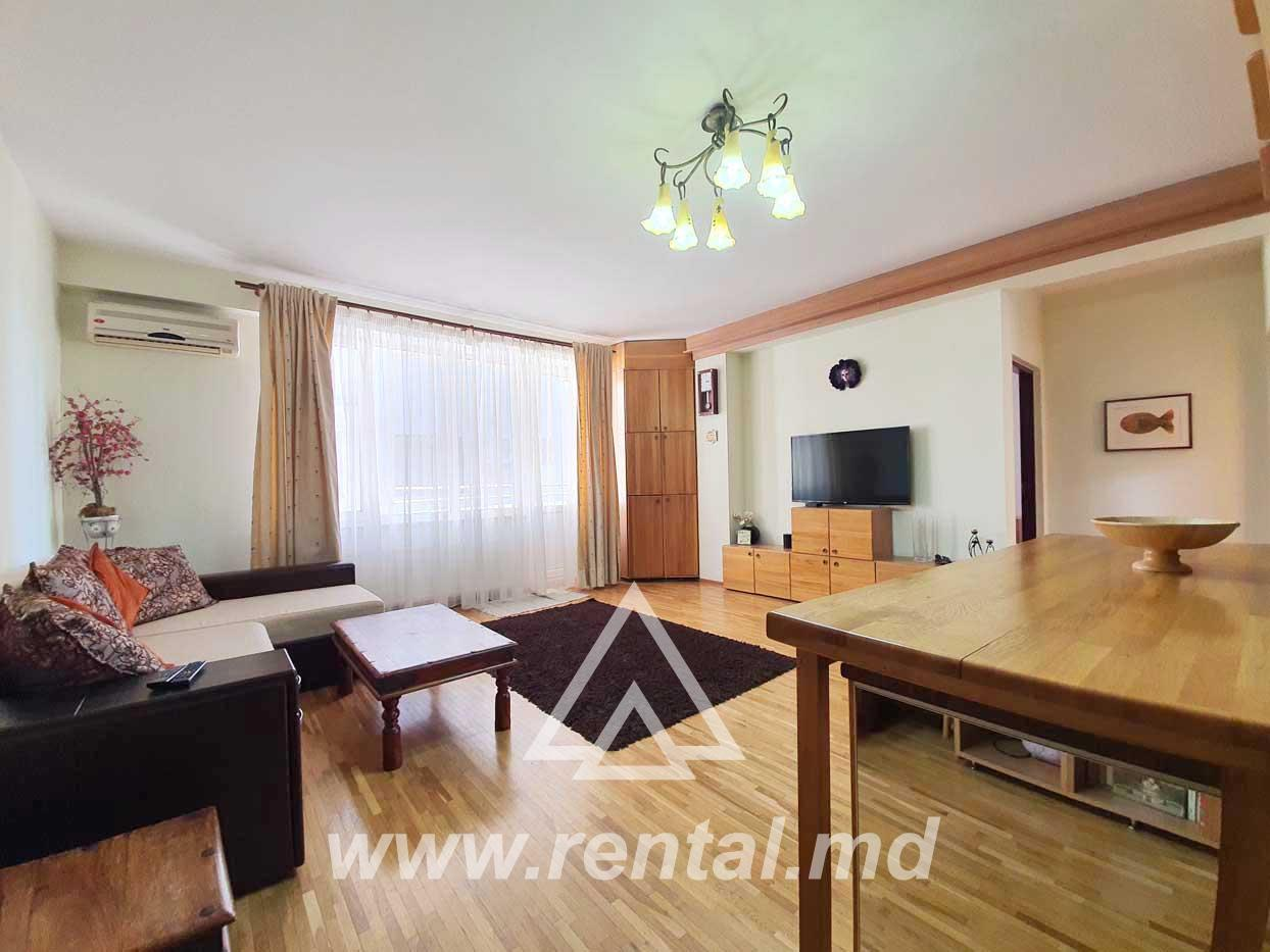 3 rooms cozy apartment for rent on Pushkin Street