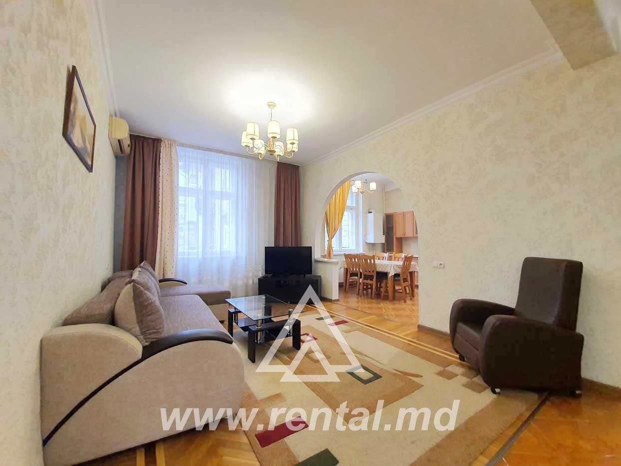Apartment for rent in center on Stefan cel Mare